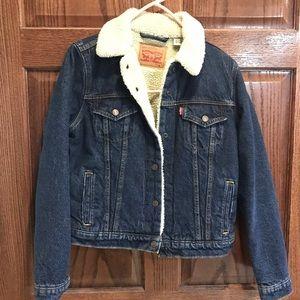 Levi's Sherpa lined trucker jean jacket